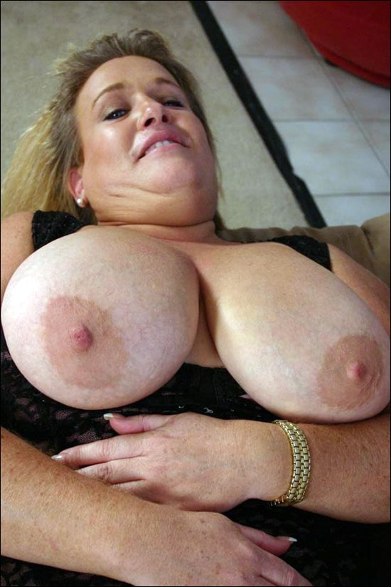 Matured longhaired blonde bbw Jenna takes a good big cock stuffing in her gob and then in her tight wet pussy in this bbw gallery