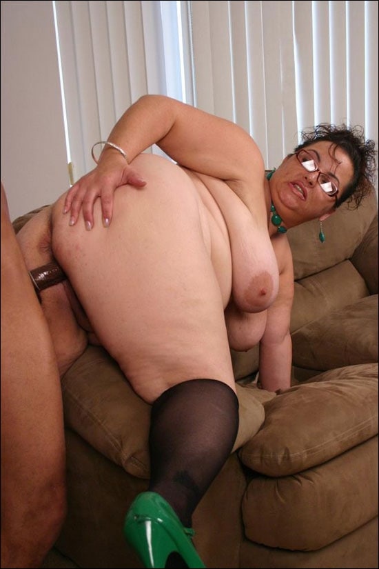 BBW MILF Shianna gets paired with a black guy and then she gets a good hardcore doggy style pounding before she rides him hard in these interracial pics
