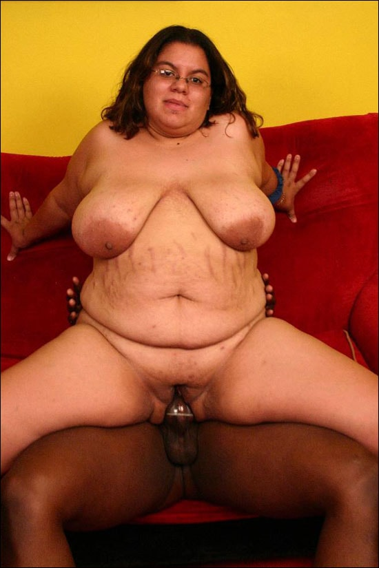 Naughty fatty Jewelz getting naked and then she dishes out a pleasurable blowjob to impress a black guy and earns a good interracial fucking